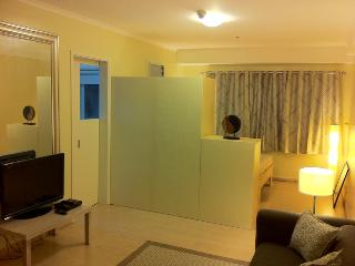 Perfectly located condo in FORT BGC! - SoMA - Taguig City vacation rentals