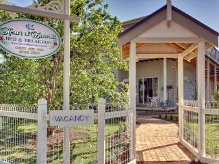 4 bedroom B&B with Iron in Melbourne - Melbourne vacation rentals