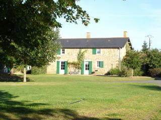 3 bedroom Farmhouse Barn with Satellite Or Cable TV in Bressuire - Bressuire vacation rentals