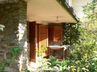 Cozy 2 bedroom Castiglione Della Pescaia Apartment with Deck - Castiglione Della Pescaia vacation rentals