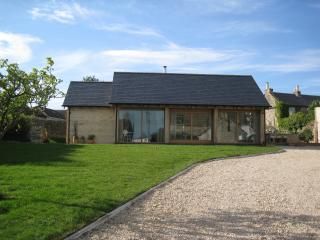 Wonderful 2 bedroom Colerne Barn with Internet Access - Colerne vacation rentals