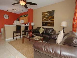 Stunning 3 Bedroom 3 Bathroom Town Home in Windsor Hills. 7652SKS - Orlando vacation rentals