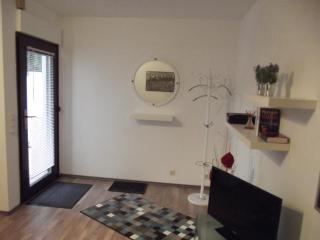 Vacation Apartment in Speyer - 484 sqft, central, comfortable, modern (# 5288) - Speyer vacation rentals
