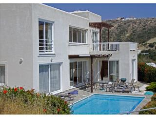 Perfect Pissouri vacation Villa with Internet Access - Pissouri vacation rentals