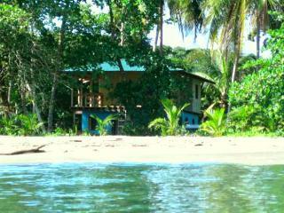 Casa Galim 4 Bedrooms 2 Bathro - Puerto Viejo de Talamanca vacation rentals
