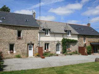 Lovely 3 bedroom Meneac Gite with Internet Access - Meneac vacation rentals