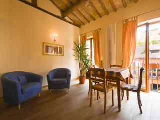 Luxury 2Bdrs 2Bths at Spanish Steps! (Greci) - Rome vacation rentals