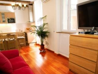Abbesses Apartment - Chantilly vacation rentals