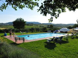 Great place for a Tuscan family holiday, 2 bedroom countryside apartments with shared pool - Montepulciano vacation rentals