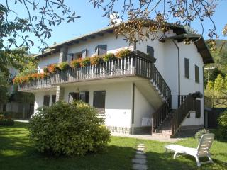 Charming 2 bedroom Apartment in Lizzano in Belvedere - Lizzano in Belvedere vacation rentals