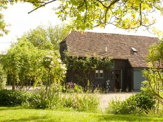 Lovely 3 bedroom Barn in Maidstone with Internet Access - Maidstone vacation rentals