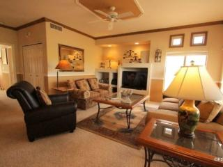 Beautiful Two Bedroom, Two Bath Condo, with Views. Stay with Us at The Vistoso Casitas Year Round! - Oro Valley vacation rentals