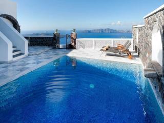 Ambassador Villa- Spectacular with caldera view - Santorini vacation rentals