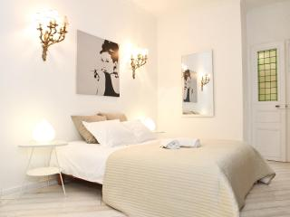 18. 2BR LUXURY APARTMENT-TERRACE- LATIN QUARTER - Paris vacation rentals