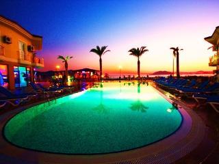 2 bed apartment with jakuzzi - Fethiye vacation rentals