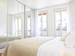 12. 2BR FLAT - CENTRAL - LATIN QUARTER-NOTRE DAME - Ile-de-France (Paris Region) vacation rentals