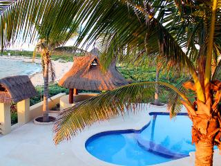 Mahahual pool level Condo #301 Beachfront View - Majahual vacation rentals