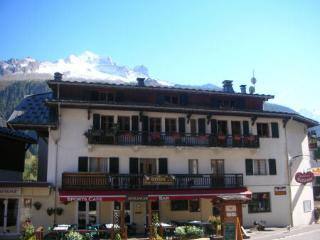 Comfortable Condo with Shared Outdoor Pool and Television - Argentiere vacation rentals