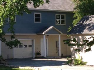 NEW 1 B/R IN TOWN APT OVERLOOKS TEA HOUSE GARDEN - Bar Harbor vacation rentals