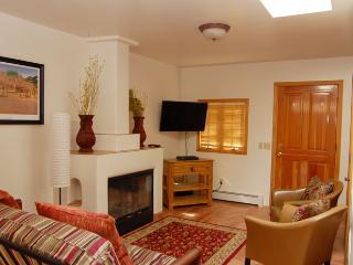 Charming Casita, Santa Fe Style - Santa Fe vacation rentals