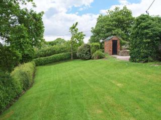 QUARRY HOUSE, woodburning stove, WiFi, feature beams, enclosed garden, Ref 913426 - Cotton vacation rentals