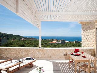 Perfect Villa with A/C and Shared Outdoor Pool - Aghios Nikolaos vacation rentals