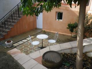 Nice 1 bedroom Condo in Cessenon-sur-Orb with Microwave - Cessenon-sur-Orb vacation rentals