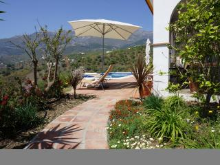 3 bedroom House with Internet Access in Sedella - Sedella vacation rentals