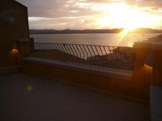 Sunny Apartment in La Maddalena with Central Heating, sleeps 4 - La Maddalena vacation rentals