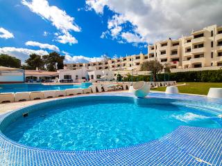 Lovely renovated apartment, with terrace, AC, Wifi - Albufeira vacation rentals