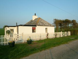 2 bedroom Cottage with Internet Access in Ardwell - Ardwell vacation rentals