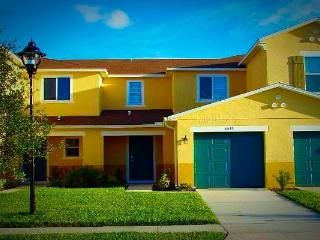 Luxurious Gated Compass Bay Condo with Pool - Kissimmee vacation rentals