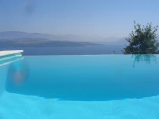 Wonderful 5 bedroom Villa in Agios Stefanos with Internet Access - Agios Stefanos vacation rentals