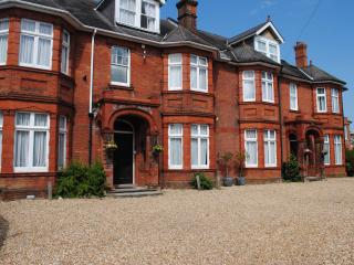 15 bedroom House with Internet Access in Gosport - Gosport vacation rentals