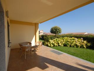 Nice Condo with Garden and Short Breaks Allowed - Mandatoriccio vacation rentals