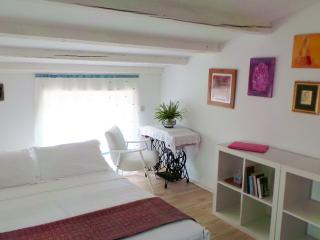 Fiore House - Good Vibration Holiday - Pula vacation rentals