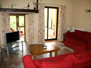 Lovely Gite with Internet Access and Satellite Or Cable TV - Saint-Pompont vacation rentals