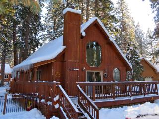 Glenshire 3bdr/3ba  w/ 2 master bdrms! Remodeled - Truckee vacation rentals