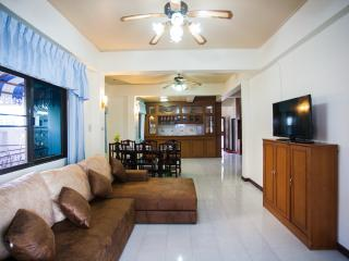 House 4 Bedroom Shared Pool - Patong vacation rentals