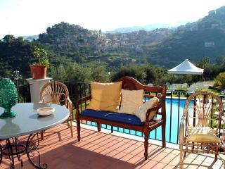 1 Queen 2 single beds suite 5* Farm Hotel Q5 - San Piero Patti vacation rentals