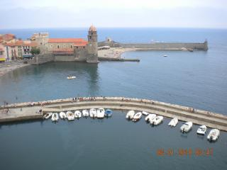 Beautiful Condo in Collioure with Outdoor Dining Area, sleeps 3 - Collioure vacation rentals