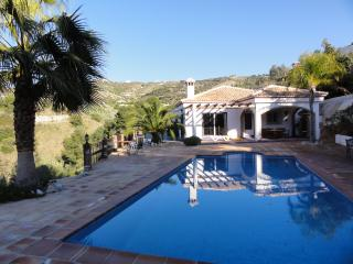 Beautiful Villa with A/C and Satellite Or Cable TV - Jete vacation rentals