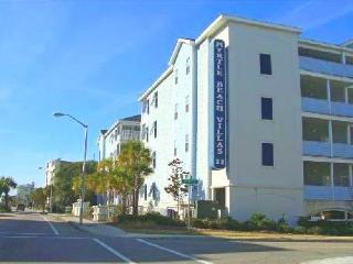 Myrtle Beach Villas 4 Bedroom Condo with Pool, Grill, Hot Tub - Myrtle Beach vacation rentals