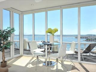 10 Astor House Fabulous sea views with huge balcony - Torquay vacation rentals