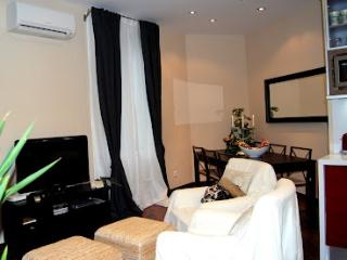 Great Cosy Flat near Ramblas - Barcelona vacation rentals