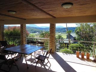 Nice House with Satellite Or Cable TV and Outdoor Dining Area - Mossel Bay vacation rentals