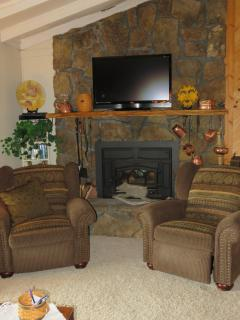 Above The Clouds Retreat w/Views/Free HBO/WiFi! - Murphy vacation rentals