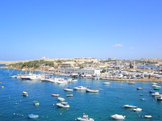 BRAND NEW 2 BEDROOM MODERN SEAFRONT APARTMENT - Il Gzira vacation rentals