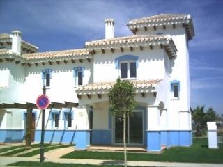 Beautiful 2 bed frontline golf villa Ma - Murcia vacation rentals