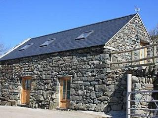 Beudy Gwenoliaid. Walk to Barmouth Beach - 53677 - Llanaber vacation rentals